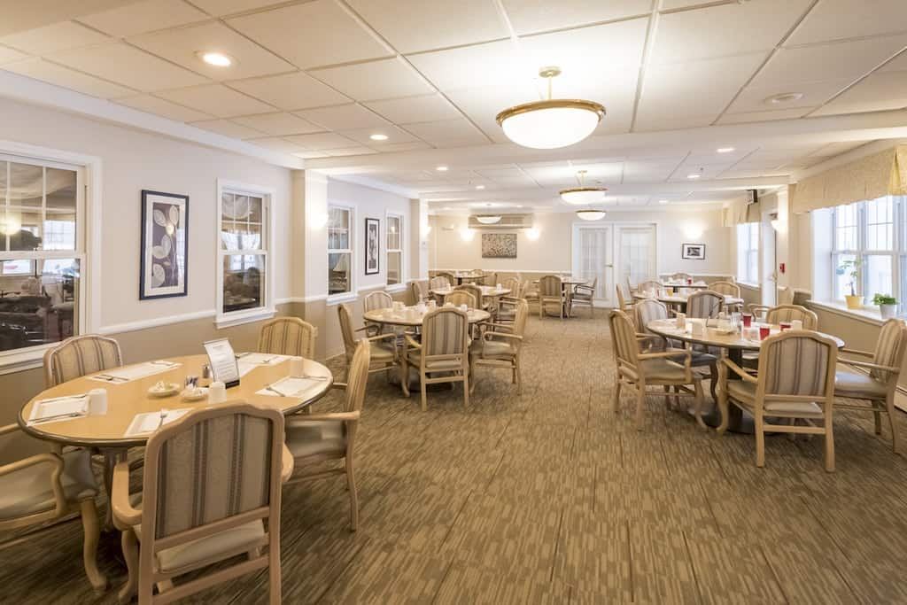 Brentland Woods dining room